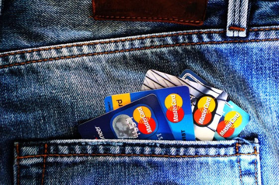 Credit Cards. Are You a Transactor or a Revolver?